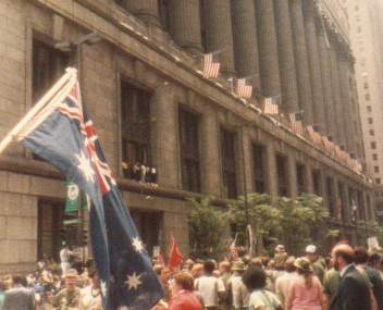 Aussie flag in Chicago Welcome Home Parade